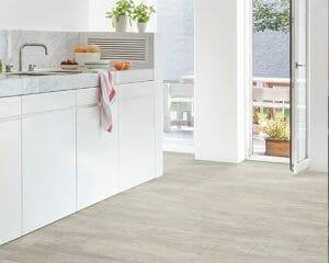 precios suelos laminados o vinilicos pata tu cocina